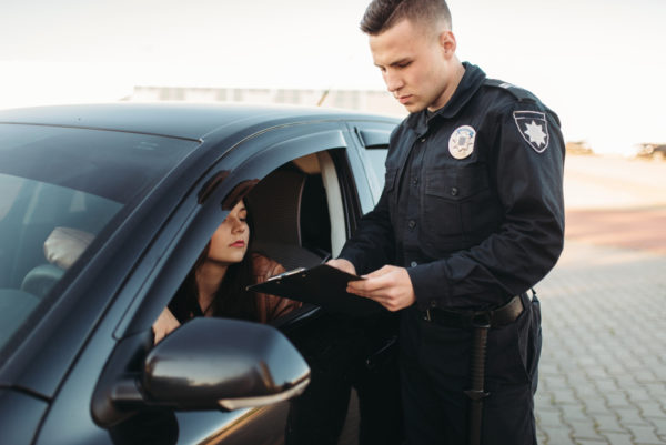 Can a cop tell if you have insurance by running plates
